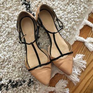 Ivanka Trump nude and black pointed toe flats 7.5